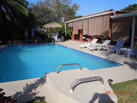 B & B El Litoral: Pool