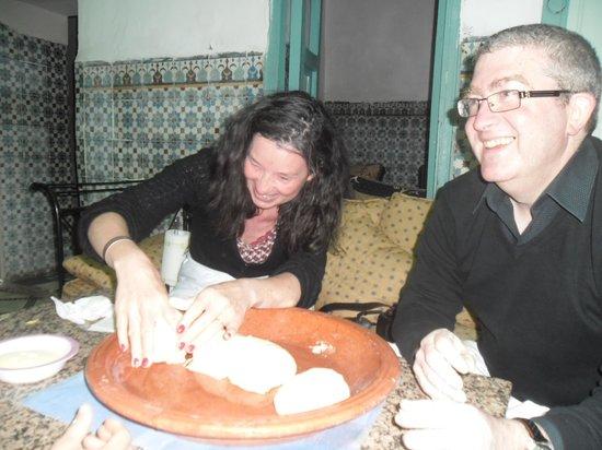 Ateliers d'Ailleurs: exercice pratique confection du pain