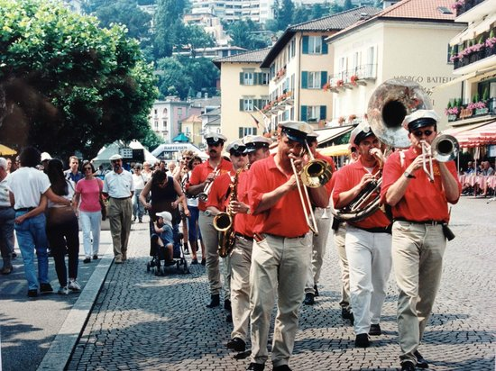 Piazza G. Motta: Jazzfestival Ende Juni