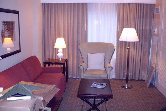 Sheraton Suites Fort Lauderdale Plantation: Living room
