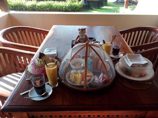 Rumah Bali : breakfast is served