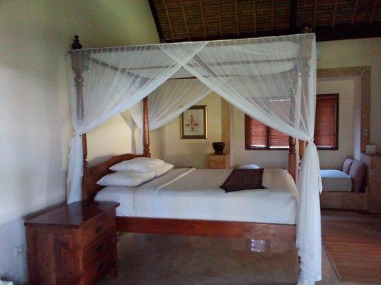 Rumah Bali : the bedroom