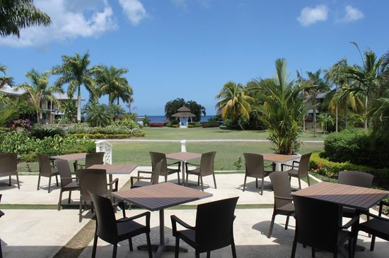 Sunscape Cove Montego Bay: View looking out of Terrace restaurant