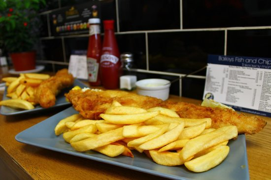 Baileys Fish and Chips : Medium fish and chips