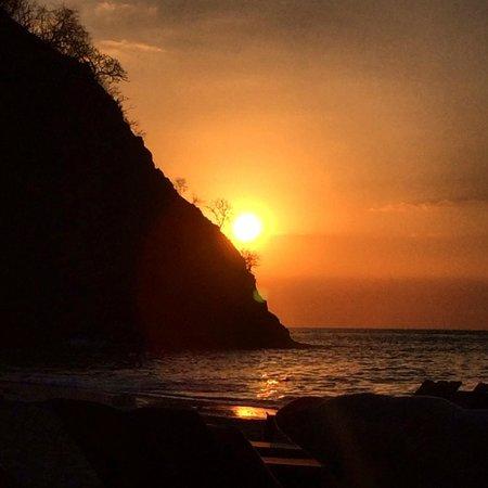 Four Seasons Resort Costa Rica at Peninsula Papagayo: Sunset from the beach