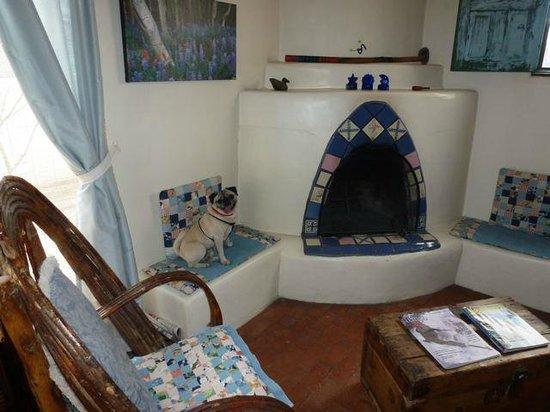 La Posada de Taos B&B: El Solecito Suite with kiva