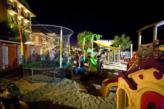 Hotel delle Nazioni : spiaggia playa del sol village