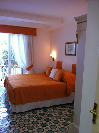 Santa Caterina Hotel: Bedroom in our Deluxe Room