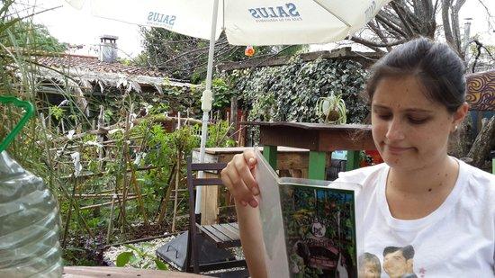 La Huerta de Martino: Eligiendo de la excelente carta una de las excelentes opciones, a la mesa, en la huerta