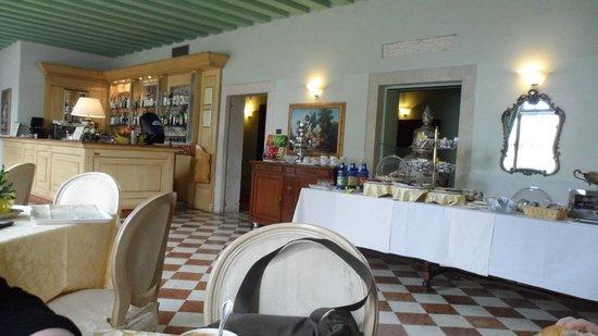Villa Tacchi : sala colazione
