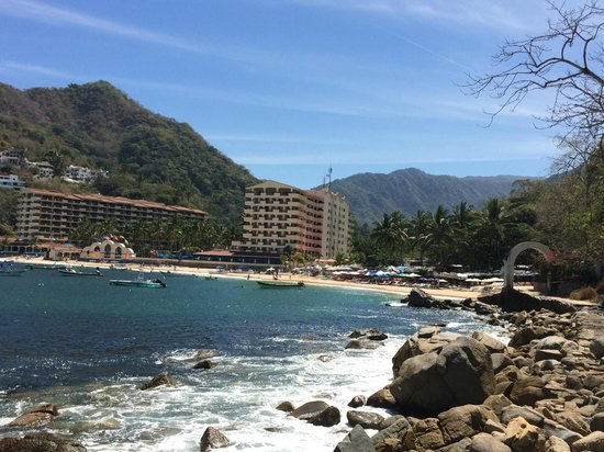 Barcelo Puerto Vallarta: View of the hotel and playa Mismaloya