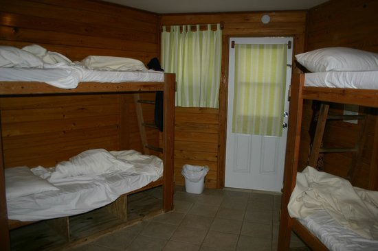 Sivananda Ashram Yoga Retreat : Dorm