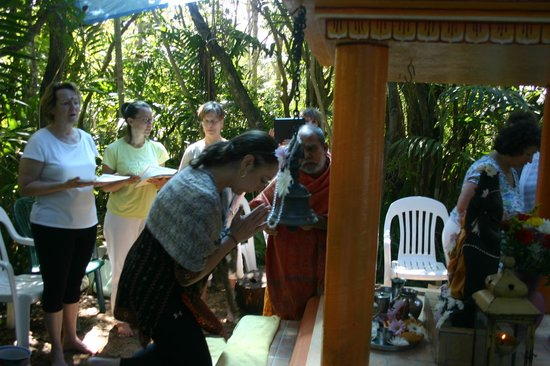 Sivananda Ashram Yoga Retreat : Puja Ceremony