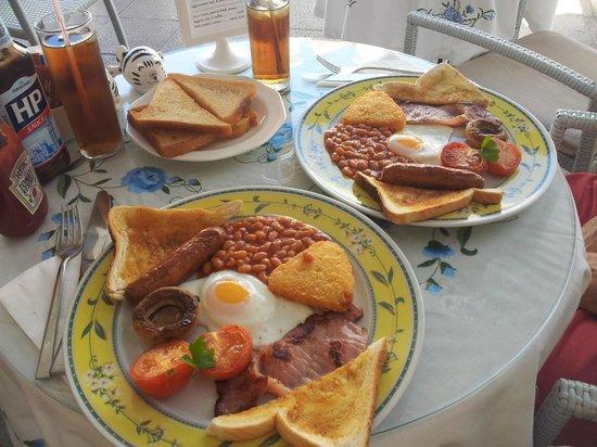 Harriet's Tea Room and Restaurant: English breakfasts!!!! mmmm