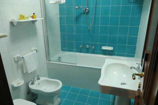 Hotel Roma : Banheiro
