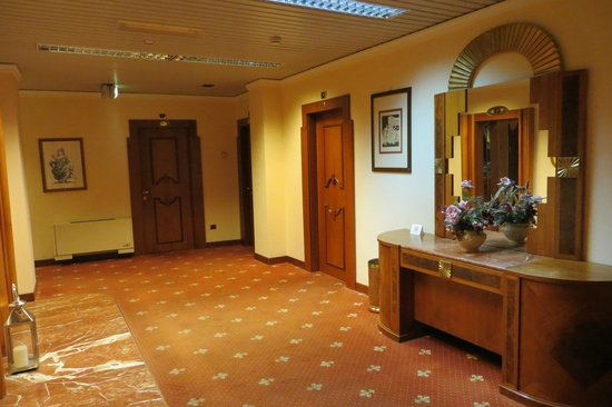 Hotel Roma: Corredor