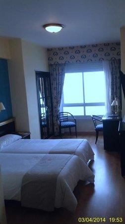 Hotel Riazor Coruna: habitación doble con tv plana