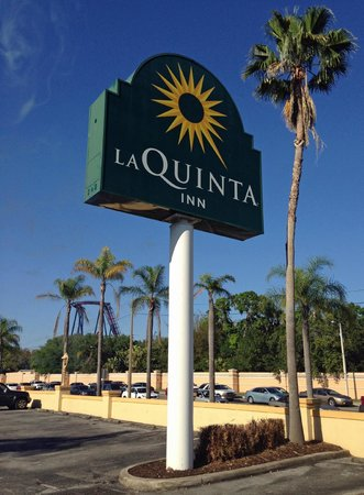 La Quinta Inn Tampa Near Busch Gardens: sign