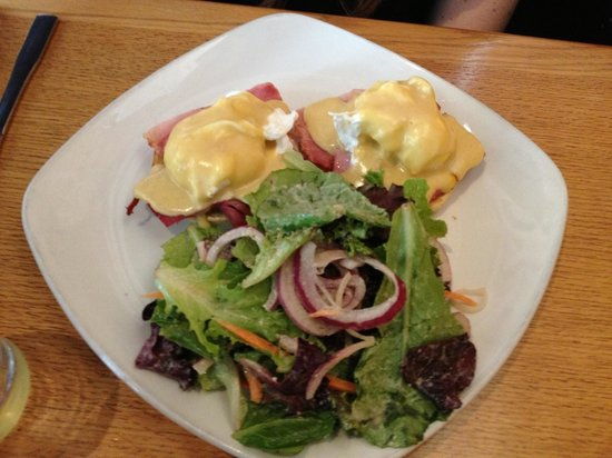 Windmills: Eggs Benedict - Sunday Brunch