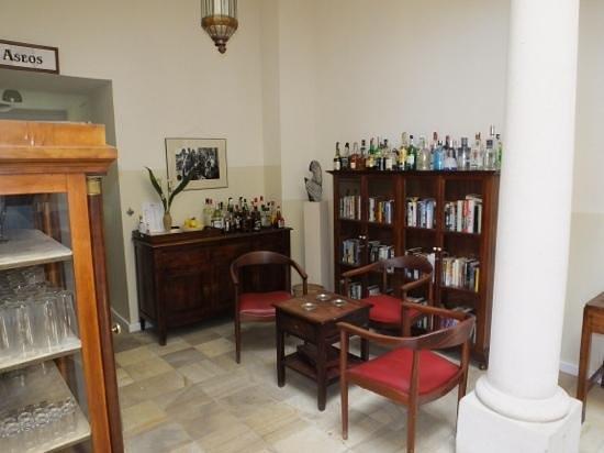 Hotel La Fuente De La Higuera : Bar Honesto