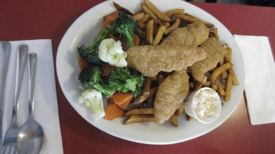 Jojo's Diner: Chicken fingers, fris and mixed vegetables.