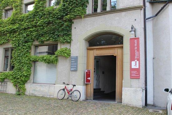 Museum für Musik (HMB): Вход
