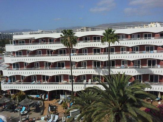Sol Barbacan Hotel: South facing apartmets