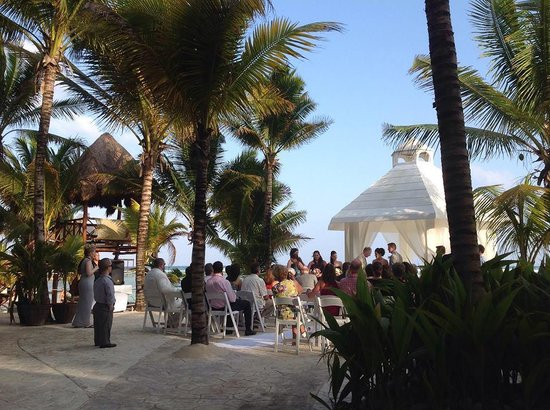 El Dorado Sensimar Riviera Maya: Ceremony at the white gazebo