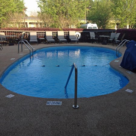 Hampton Inn Augusta - Washington Road: pool