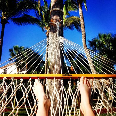 Holiday Inn Sanibel Island: relaxing in the hammock