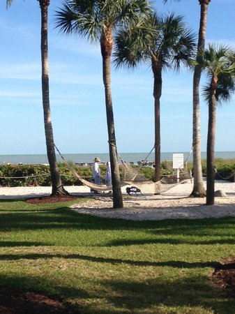 Holiday Inn Sanibel Island: lovely beach area