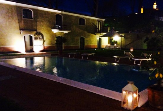 Hotel Villa Agnese: Pool by night