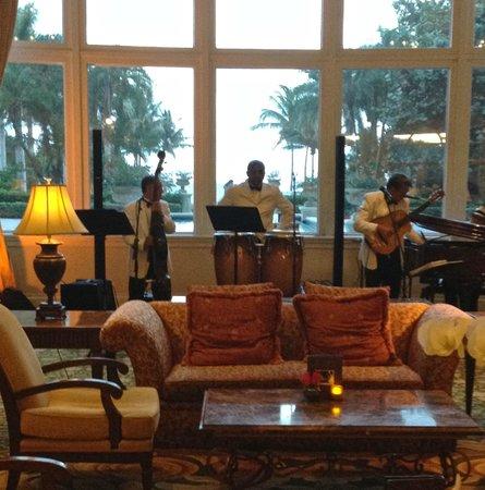 The Ritz-Carlton Key Biscayne, Miami: Grupo Nostalgia - Cuban Band each Thurs and Fri in Ritz Lobby