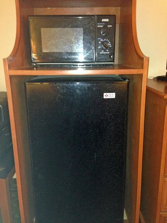 Howard Johnson Express Inn - Tallahassee : micro-fridge