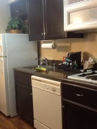 Homewood Suites by Hilton Anaheim-Main Gate Area: Homewood Suites/ full kitchen