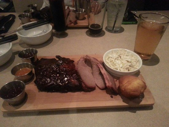 J. Buck's : Ribs, brisket and a nice cold Stella