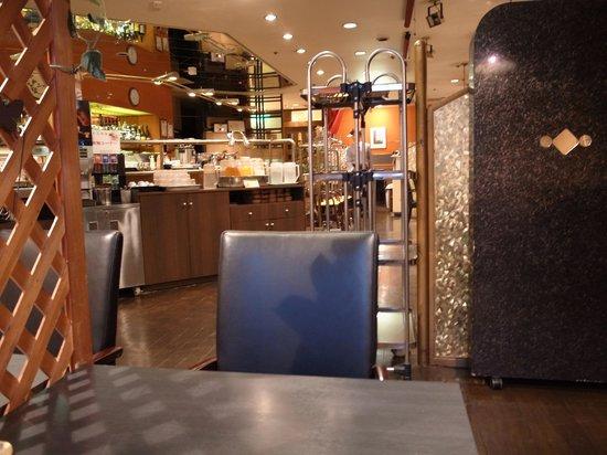 Smile Hotel Sendai Kokubucho : 朝食会場のシェルブール内観
