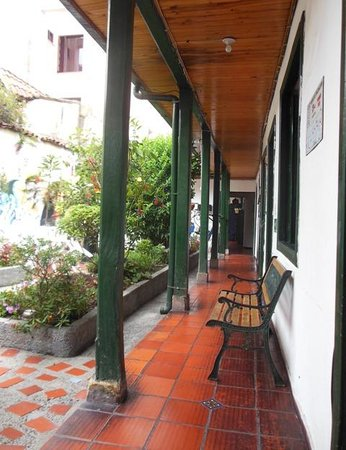 Hostal Sue Candelaria: Courtyard