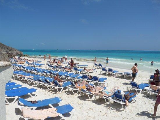 Hotel Riu Cancun: Praia
