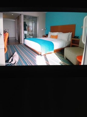 Shore Hotel: beautiful well designed room 433