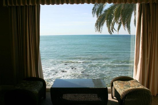 Cliff House Inn on the Ocean: The awesome view you get from room DLX # 24.