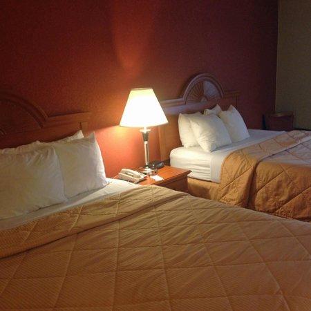 Comfort Inn: beds 1