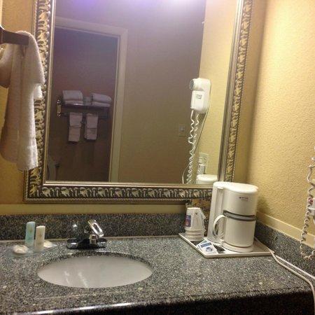 Comfort Inn: sink