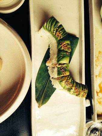 Damindra : Maki roll — King crab uramaki