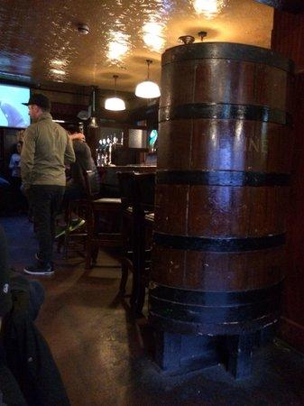 Mulligan's: Old Pub an ungünstiger Lage