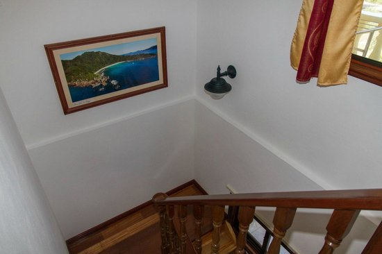 Chalets d'Anse Reunion: steps to the first floor