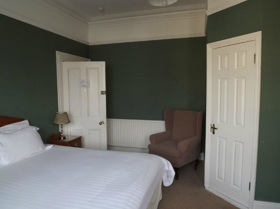 Linden Hall : Bedroom