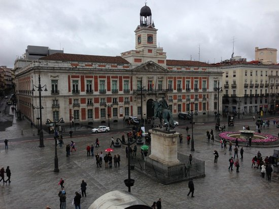 Hotel Europa : Puerta del Sol from our room (3rd floor)
