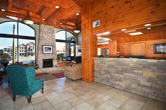 Island Drive Lodge: getlstd_property_photo