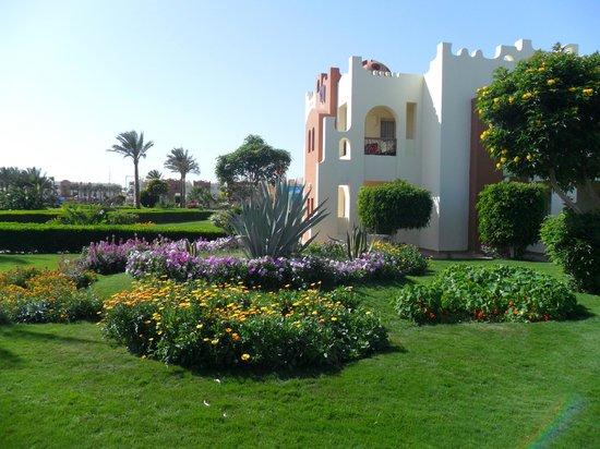 SUNRISE Select Royal Makadi Resort: Hotel grounds